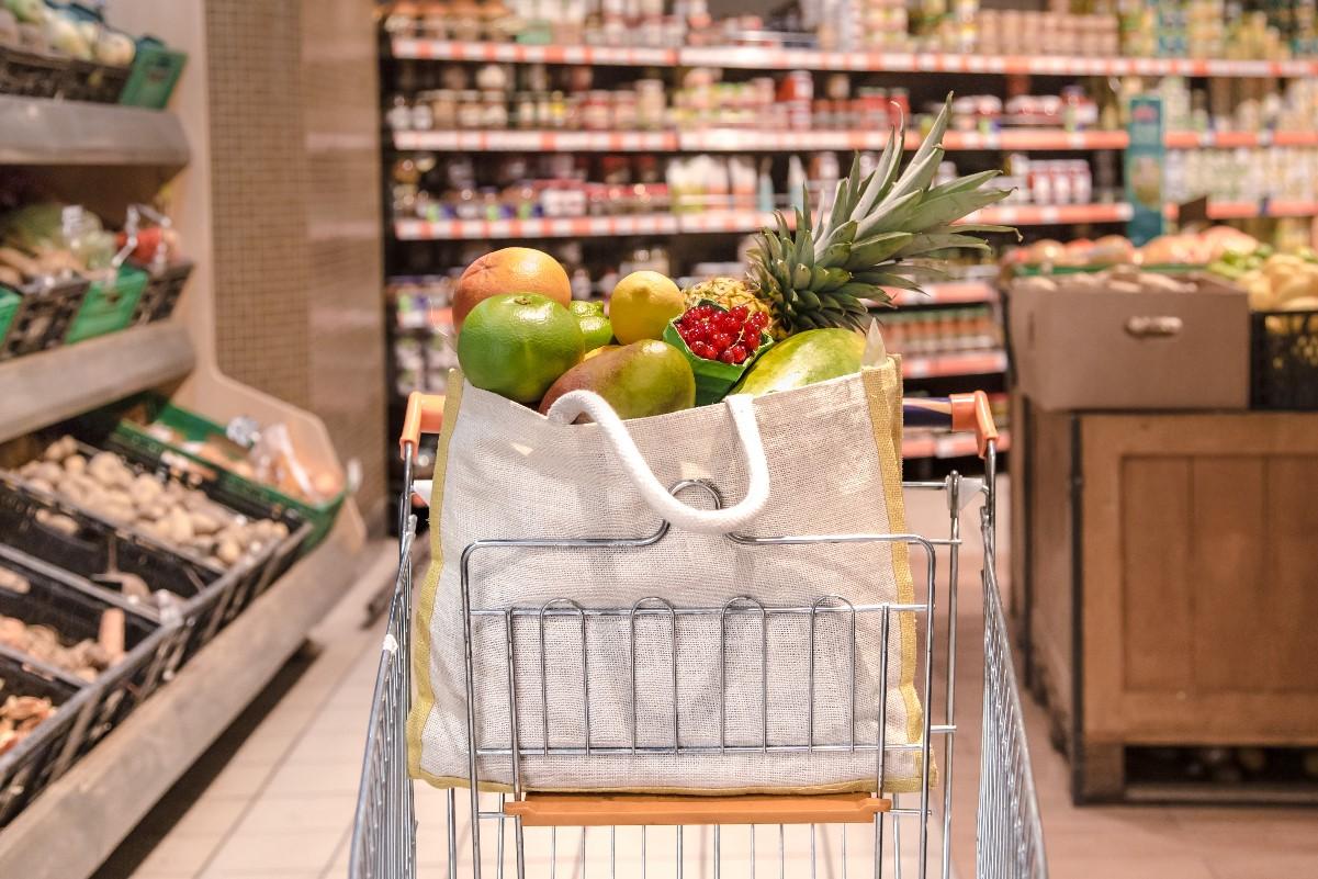 Jak robić zakupy bez śmieci? Poradnik dla początkujących