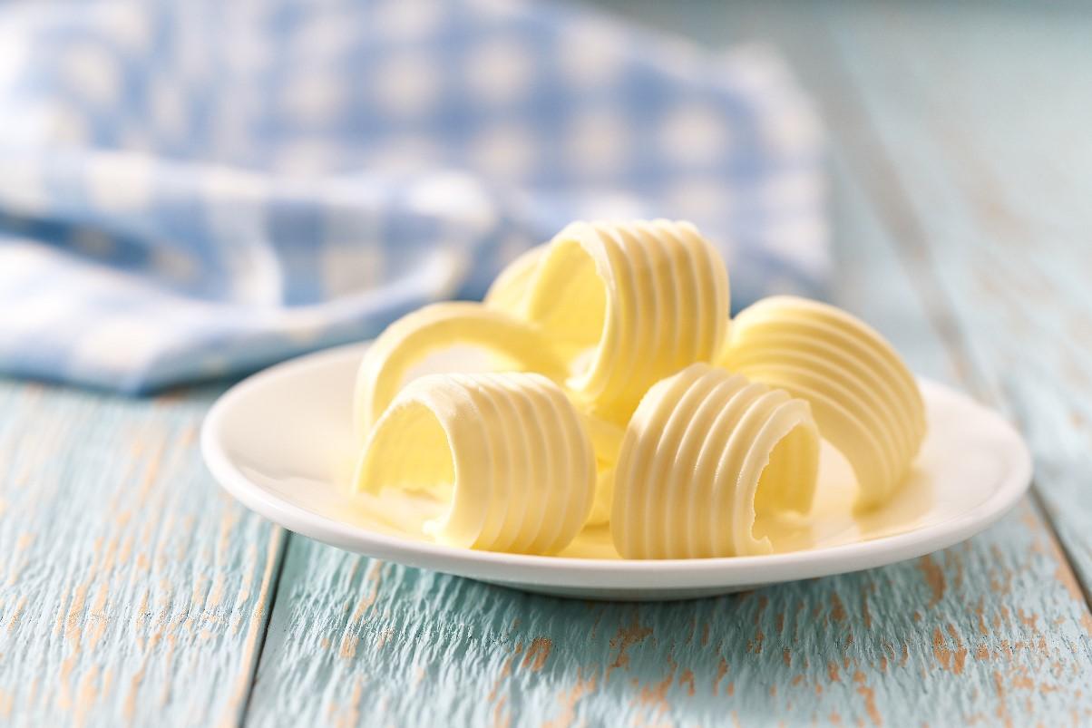Jak samodzielnie zrobić masło?