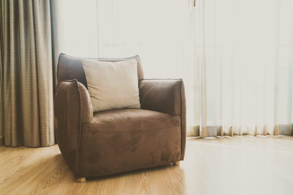 Jak odnowić samodzielnie stary fotel?